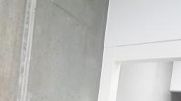 Fugning af betonvæg og dør